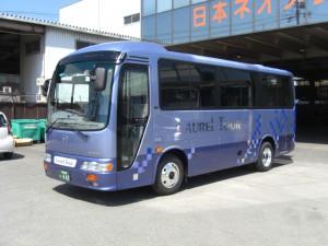 大阪小型バスリエッセ19人乗