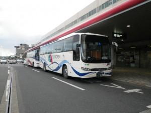 サンデン観光バスの韓国製大宇バス