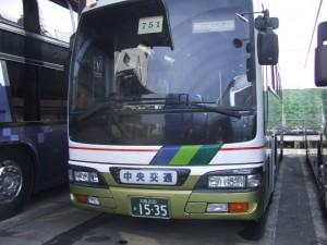 3列シートのバス